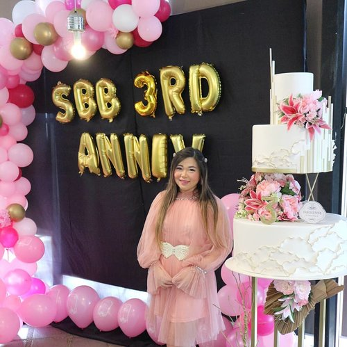 After many many months of planning, scheduling, worrying and headache medicine later, i am so proud to say that @sbybeautyblogger3rd Anniversary was a a total success from start to finish 😍😍😍! This event will never be possible without @cmm.idn who did all plan and executed the whole thing (and come up with fun ideas to make the event more festive!), @thelocalist.sbyFor the venue, food and beverages, @parisiennepastry@parisiennewedding@parisienneresto mock cake (plus real Regal cake so we can make a wish and blow on a candle for real! Also more pastries for the guests!), @altheakoreaWho is our main Beauty Sponsor and long time partner! Also thank you to @bioderma_indonesiaAnd @ultimaii_id for the supports. You all had made our Anniversary super special!Ofc, thank you to my Surabaya Beauty Blogger members - past and present, also the comittee and our friends and followers who came and join the event, not to forget @chelsheafloWho went out of her way to be our amazing MC for the day - i hope everybody had as much fun as i did!As enthusiasm for our event was so high, should we try to hold more of these highly interactive event where followers can join and we can learn stuffs/make stuffs together?#SBBXCMM #CMMEVENTCONSULTANT #SBYBEAUTYBLOGGER #SURABAYABEAUTYBLOGGER #SBBANNIVERSARY #SBBTURNING3 #SBB3RDANNIVERSARY #bblogger #bbloggerid #influencer #influencerindonesia #surabayainfluencer #beautyinfluencer #beautybloggerid #beautybloggerindonesia #bloggerceria  #influencersurabaya #bloggerperempuan #clozetteid #surabayainfluencer