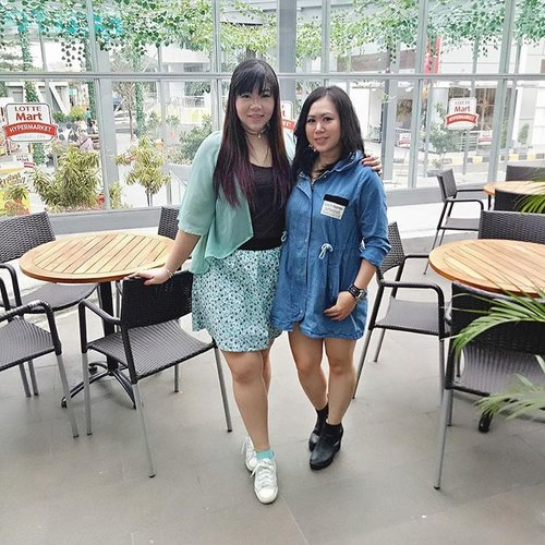 Having a BFF is like having a safe haven, you know you can tell her everything and she'd never judge you!  #ootd #ootdid #ootdindo #ootdindonesia #fashion #personalstyle #girlycasual #springfashion #personalstyleblogger #clozetteid #clozettedaily #blogger #bblogger #bbloggerid #indonesianblogger #surabaya #surabayablogger #influencer #surabayainfluencer #influencersurabaya #effyourbeautystandards #notasize0 #comfortableinmyownskin  #spring #springfashion #girlygirl #bff #bffgoals #20yearsandcounting