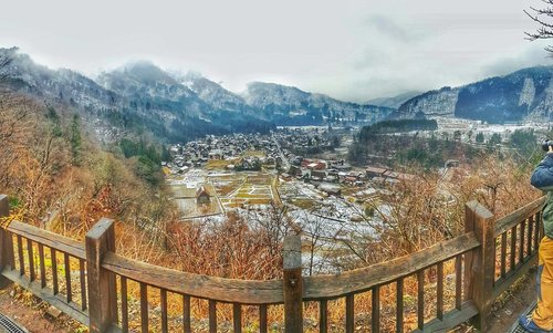 Shirakawago's breath taking view from the top... picture taken by an annoying travel companion who should remain nameless.#travel #trip #wanderlust #jalanjalan #lifestyle #clozetteid #clozettedaily #blogger #bblogger #indonesianblogger #surabayablogger #travelblogger #indonesiantravelblogger #surabayatravelblogger #bloggerceria #bloggerceriaid  #japantrip #japantrip2017 #ootd #winter #wintertrip #exploringjapan #wanderer  #mommyblogger #superexcited  #funtime #familytrip #japanadventure #shirakawago #shirakawagovillage