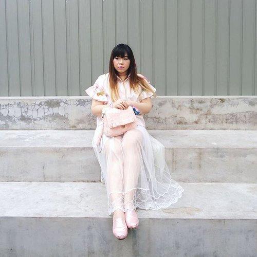 New blog post, a personal style update at last!  Check out 50 Shades of Pink : http://bit.ly/50shadesofpinkcollab 📷 : @amandatorquise  #ootd #ootdid #ootdindo #ootdindonesia #fashion #personalstyle #springcolors #springfashion #personalstyleblogger #clozetteid #clozettedaily #blogger #bblogger #bbloggerid #indonesianblogger #surabaya #surabayablogger #influencer #surabayainfluencer #influencersurabaya #effyourbeautystandards #notasize0 #comfortableinmyownskin  #spring #springfashion #girlygirl #pink #pinkandwhite #tutuskirt