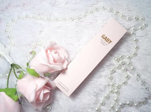 It was love at the first swipe... Check out my review on @gabycosmee On my previous post.  Thank you @perfectbeauty_id And @sbybeautyblogger 😊  #gabyeyelinerstayallday #perfectbeautyid #sbbxperfectbeauty #sbbxgabycosmee #sbbreview #sbybeautyblogger #review #gabyeyeliner #gabyeyelinerreview #eyeliner #liquideyeliner #eyelinerreview #blogger #bblogger #bbloggerid #clozetteid #bloggerceria #beautynesiamember #setterspace #myfavorite #beautybloggerindonesia #beautybloggerid #influencer #beautyinfluencer #endorsement #endorsementid #supportlocalbrand