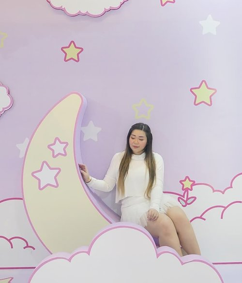 Although @cynthiansunartio and i are 2 grown ass women, we were happy as kids yesterday at Sanrio Playhouse at @lenmarcmall , roaming around and taking hundreds of pictures since the whole place is super cute and matches our kawaii aesthetic to a T!I honestly cannot choose a pic to post so i a posting a LOT 🤣. Whether you are taking your little kids here or just grown ups like us (who loves Sanrio), you will enjoy taking endless pics in the 8 exhibitions, so don't wait up if you are interested, they will be around until May 10th only!HTM IDR 40-60K, pretty worth it for Sanrio fans and if you plan to take loads of pics!#sanrioplayhouse #sanrioplayhouselenmarc #sanrio #kawaii #kawaiiaesthetic #sbybeautyblogger  #influencer #influencerindonesia #surabayainfluencer #beautyinfluencer  #bloggerceria #beautynesiamember  #influencersurabaya  #surabayablogger  #bloggerperempuan #clozetteid #girls #asian #personalstyle #surabaya #exhibition #surabayaevent #ootd #ootdid #lifestyle #lifestyleblogger #lifestyleinfluencer #pastelcolors
