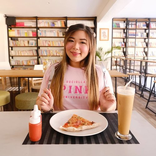 Miss randomly going to cafes for some coffee and borrowing my companion's foods and drink to pose for pics... I really miss @space.k.sby , one of my fave aesthetic co-working space/cafe with nice menu, super cozy and Instagrammable ambiance and super friendly staffs that would let you take hundreds of pics in every nooks and cranny of the place!  Gonna make sure i return once it's safer to go out and PSBB's lifted... #throwback #kawaiiaesthetic #sbybeautyblogger  #bblogger #bbloggerid #influencer #influencerindonesia #surabayainfluencer #beautyinfluencer #beautybloggerid #beautybloggerindonesia #bloggerceria #beautynesiamember  #influencersurabaya  #indonesianblogger #indonesianbeautyblogger #surabayablogger #surabayabeautyblogger  #bloggerperempuan #clozetteid  #girl #asian #pink #girlygirl  #surabaya #spaceksurabaya #spacek #surabaya #cafesurabaya #recommendedcafe