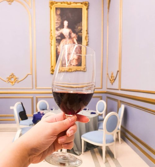 Cheers, let's get high on life!#cheers #wine #redwine #winetime🍷 #dmonaco #dmonacojogja#clozetteid #sbybeautyblogger #beautynesiamember #bloggerceria #influencer #jalanjalan #wanderlust #blogger #indonesianblogger #surabayablogger #travelblogger  #indonesianbeautyblogger #indonesiantravelblogger #surabayainfluencer #travel #trip #pinkjalanjalan #lifestyle #bloggerperempuan #jogja #pinkinjogja #yogyakarta #finedining #jogjaresto