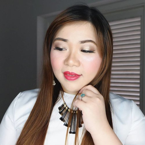 Holiday makeup for @sbybeautyblogger 's 1st soiree, loads of glitter, shimmer and a bright bright red lips! 💄: @viva.cosmetics perfect shine lip color in 208 Gorgeous Red  #fotd #motd #clozetteid #makeup  #sbybeautyblogger #bloggerceria #beautynesiamember #girl #asian #blogger #bbloggerid #beautyblogger  #indonesianblogger #indonesianbeautyblogger #redlipstick #surabayablogger #surabayabeautyblogger #influencer #beautyinfluencer #surabayainfluencer #influencersurabaya #makeupaddict #beautyaddict #ilovemakeup #sbbsoiree #sbb1stsoiree #makeuplook #holidaymakeup