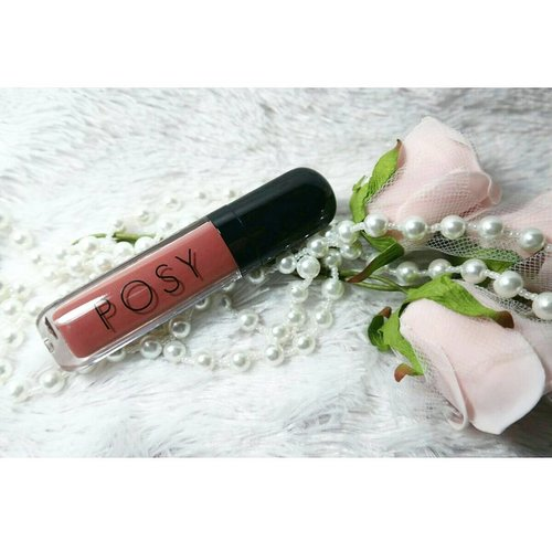 New lippie review is up on the blog, it's from a new local brand @posybeauty.id and i am reviewing the shade Wrath 😀  Check it out here : http://bit.ly/posybeauty  #posybeauty #posybeautyreview  #sbybeautyblogger  #clozetteid #blogger #bblogger #bbloggerid #beautyblogger #beautynesiamember #bloggerceria #sbybeautyblogger #girl #asian #influencer #beautyinfluencer #indonesianblogger #indonesianbeautyblogger #surabayablogger #surabayabeautyblogger #lipstickaddict #ilovelipstick #beautyaddict #lipstickjunkie  #endorsementid #review #sbbreviews #supportlocalbrand #indonesiancosmetics #mattelipcream