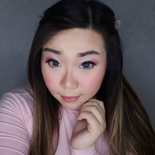 My go-to makeup look for Valentine's Day because i am the typical pink-head-to-toe, saccharine sweet type of gal. Maybe if you are looking for a inspiration for your V Day date look and you want something sweet, somewhat simple and youthful, you can take an inspiration from mine 😊. I planned to do a second, more mature and sophisticated look but as usual i'm running out of time 🤣, and i really don't like to put on makeup when i don't actually go out so i'm afraid i won't be able to come up with it before the D Day 😢. Products used : 1. The Body Shop BB Cream 2. Marcks' loose powder 3. Bellaoggi compact powder 4. LA Girl Beauty Brick Ultra eyeshadow palette 5. Mukka Cosmetics eye and cheeks palette 6. City Colors Highlighters 7. Clarins and Forest Beauty Lipsticks 8. Maybelline Lip Gloss  Coincidentally @glitzmediaco and @ultimaid_ii are having a Valentine's Day makeup look competition, so if you already make a look/have a look in mind why don't we join this as well @redhacs @sabrinatedjo @cynthiansunartio @laurensiamega @chatykatzz83_grace !  #GLITZGIVEAWAY #GlitzmediaXultimaii #sbybeautyblogger  #bblogger #bbloggerid #influencer #influencerindonesia #surabayainfluencer #beautyinfluencer #beautybloggerid #beautybloggerindonesia #bloggerceria #beautynesiamember  #influencersurabaya  #indonesianblogger #indonesianbeautyblogger #surabayablogger #surabayabeautyblogger  #bloggerperempuan #clozetteid  #girl #asian #surabayainfluencer