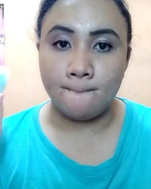 DETAIL :  1. @natur_e_indonesia Face Mist.  2. @viva.cosmetics Pensil Alis Coklat.  3. @eminacosmetics Agent of Brow Brown.  4. @inezcosmetics eyeshadow Amsterdam.  5. @purbasarimakeupid Intense Color Liquid Liner Jet Black.  6. @wardahbeauty EyeXpert Perfect Curl Mascara.  7. @pixycosmetics Concealing Base Sand Beige 02.  8. @fanbocosmetics Perfect Bounce Beauty Blender.  9. @latulipecosmetiques_ Contour Kit Light.  10. @pondsindonesia Magic Powder BB.  11. @eminacosmetics Cheeklit Blush Cotton Candy.  12. @mineralbotanica Soft Matte Lip Cream Plum Fairy 006.  13. @evianwater Facial Spray.  14. @wardahbeauty Primary Skin Hydrating Booster (lupa bebs 😂) Video gue ini sudah ada bantuan lighting-nya bebs, hope will grow better and better lagi quality video gue. Amin!😍. #sociollabloggercommunity #socoid #bunnysneedmakeup #bloggerindonesia #bloggerperempuan #bloggersolo #bloggerboyolali #beautynesiablogger #clozetteid #indonesianfemaleblogger #lavinabeautyblog #lavinamakeup #beautiesquad #emak2blogger #nofilter  #likeapp #likeappvideo #indonesiabeautyblogger #indonesianbeautyblogger #kbbvmember #wakeupandmakeup #indonesiafemaleblogger #localcosmetics #lavinatutorial #lavinareview  #sociollabloggernetwork #sociollablogger #indonesianbeautybloggers #mombloggercommunity #tampilcantik @tampilcantik