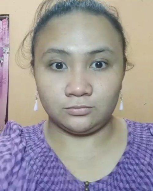 Cherry Looks 🍒  DETAIL :  1. @wardahbeauty Seaweed Primary Hydrating Skin Booster.  2. @eminacosmetics Agent of Brow Brown & @viva.cosmetics Pensil Alis Hitam.  3. @nyxcosmetics_indonesia Lip Butter BLS24 Ripe Berry + @inezcosmetics eyeshadow Pattay 07.  4. @purbasarimakeupid Intense Color Liquid Liner Jet Black.  5. @wardahbeauty Perfect Curl Mascara.  6. @eminacosmetics BB Cream Medium.  7. @latulipecosmetiques_ Contour Kit Light.  8. @fanbocosmetics Acne Solution Loose Powder Oriental Yellow 01.  9. @nyxcosmetics_indonesia Lip Butter Bls24 Ripe Berry sebagai Blush On.  10. @inezcosmetics eyeshadow Pattaya 07 as Highlighter.  11. @wardahbeauty Exclusive Lipstick Great Berry 35.  12. @nyxcosmetics_indonesia Lip Butter Bls24 Ripe Berry sebagai ombre lips.  13. @natur_e_indonesia Face Mist.  #sociollabloggercommunity #socoid #bunnysneedmakeup #bloggerindonesia #bloggerperempuan #bloggersolo #bloggerboyolali #beautynesiablogger #clozetteid #indonesianfemaleblogger #lavinabeautyblog #lavinamakeup #beautiesquad #emak2blogger #nofilter  #indonesiabeautyblogger #indonesianbeautyblogger #kbbvmember #wakeupandmakeup #indonesiafemaleblogger #localcosmetics #lavinatutorial  #sociollabloggernetwork #sociollablogger #indonesianbeautybloggers #mombloggercommunity #tampilcantik #bloggirlsid #smartbeautycom #BeautyCollabID  @tampilcantik