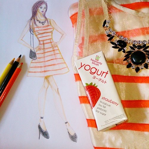 A rough sketch about what to wear to JFW this weekend 😉 feat @heavenlyblushyogurt #yogurtarian #heavenlyblushjfw #fashion #fashionsketch #fashionillustration #fashiondesign #ootd #drawing #clozetteid