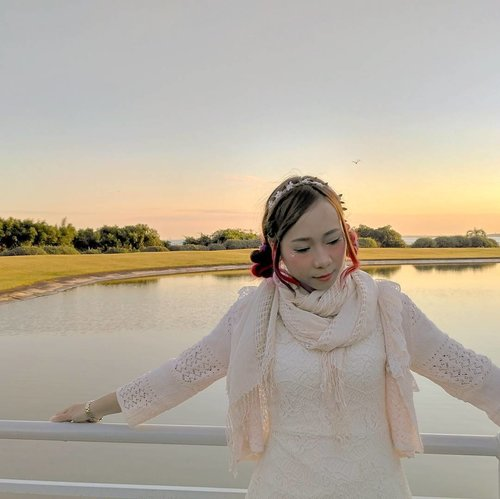 I swear the dark circles under my eyes are getting worse because lack of sleep😱 Anyway, good night!! 🌃  #morikeifashion #sunset #Tokyo #clozetteid #Japan #igarimakeup #morigirl #fashionblogger #Beautyblogger #ootdid #tokyofashion #traveljapan2016 #jepang #tokyosealifepark #instajapan #morikei #lookbookindo #makeupindonesia #mykawaiistyle #sky #cloud
