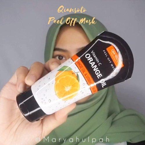 Hai hai, kalian udah tau belum tentang Peel Off Mask dari @Qiansoto.id ?Qiansoto ini adalah brand yang fokus pada produk dengan harga terjangkau, pilihan bervariasi, dan kualitas yang baik.Disini aku lagi cobain Peel Off Mask dari @Qiansoto.id yang varian Orange Oil & Vitamin C Mask. Teksturnya itu berbentuk cairan yg cukup kental dan wanginya seger seperti wangi jeruk, enak banget. Setelah diaplikasikan cairan masker ini tidak mudah menetes dan mudah menempel di kulit. Yang paling aku suka adalah sesi saat peel off dari masker ini, komedo2ku jadi terangkat. Seneng banget. Oiya, selain itu isi dlm kemasannya jg banyak loh, jadi bisa dipakai dlm waktu lama.Yuk cobain Peel Off Mask ini selain bagus, harganya juga terjangkau loh! 😉@Qiansoto.ID @JakartaBeautyBlogger #qiansoto #maskerqiansoto #siapasajabisacantik#JakartaBeautyBloggerReview#JakartaBeautyBloggerFeatQiansotoID