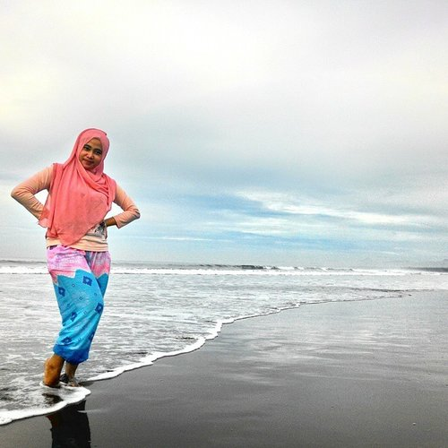 #beach #pangandaran #beautifulindonesia #CLOZETTEID