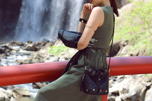 NATURE, WATER & FASHION! Accessory details  http://jenniferbachdim.com/2015/05/28/nature-water-fashion/