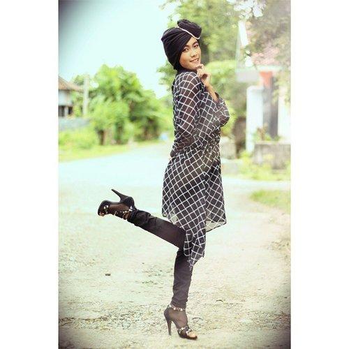 @clozetteid #OOTD #BackToBlack  #COTW #ClozetteID #black #fashionista #fashionoftheday #blackpants #blackshirt #blackdress #blackblouse #blackfashion #monochrome