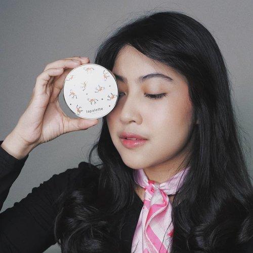 Lagi nyobain Lapalette Beauty Silky Tension Cover Pact shade 23 dari @charis_celeb @charis_indonesia Yes, suka sama hasilnya yang natural dan makin lama, makin nyatu sama kulit😍  Coverage-nya menurut aku udah ok dalam 1 layer sajaa. Terasa ringan dan gk bikin kulit jadi berminyak👌🏻👌🏻 #hicharis #charisceleb #lapalette #clozetteid #makeup