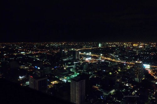 There's so much beauty when your eyes lay lost in all the city lights. . . . . . . . . #citynight #night #citylights #nightview #clozette #clozetteid #travel