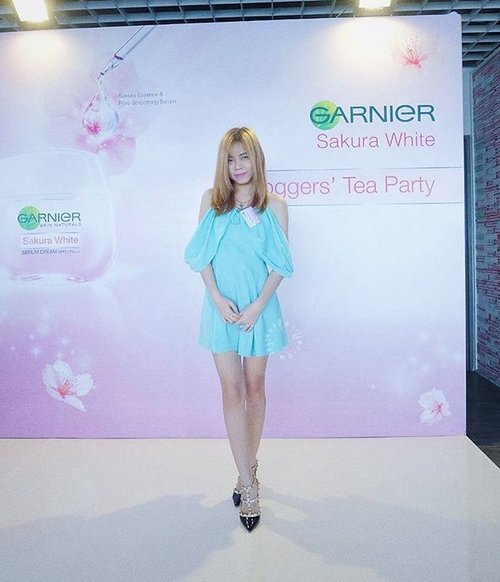 Earlier at @garnierindonesia Sakura White Bloggers' Tea Party 🍵 . . Thanks @garnierindonesia for having me ❤️ #clozetteid #starclozetter #hawasister #garnierindonesia #sakurawhite #bloggerteaparty #beautyblogger #bloggerbabes #glambassador #asian