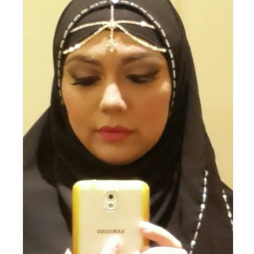I'm not sure whether it's #Bollywood or #Arabic #Makeup. Let's just call it BollyBic.  16 Feb 2015 #Oriflame Gala Dinner  #ArabianMakeup #ArabicMakeup #MakeupArtist #Hijaab #Beauty #Hijab #PicOfTheDay #ClozetteID