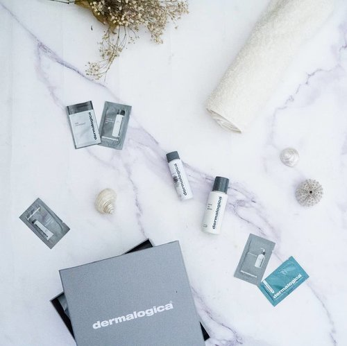 Been trying Dermalogica's products for about a month now, annddd I loovveee 'em!! The cleansing oil cleanse every bit of my makeups very well (including my heavy mascaras👀). And the facial cleanser is super gentle as well, it hydrates but doesn't make my skin oily 😊💕 SUPER LOVEEE, thankyou @dermalogica_indonesia 💋 #dermalogicareview #clozetteid #clozetteidreview #skincare #skincareroutine