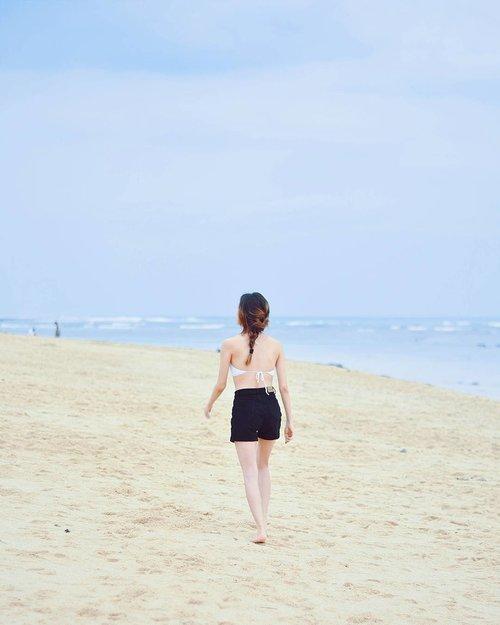 Running away from troubles be like 👆👆👆 #beachplease #clozetteid #needvacation