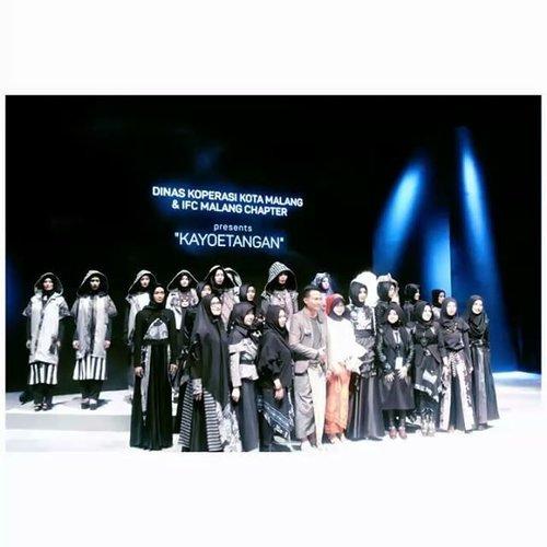 Dinas Koperasi Kota Malang & @ifc_malang presents 'KAYOETANGAN' @muslimfashionfestival  designers by: - Agus Sunandar (@sunandar8050) - Belinda Ameliyah (@belindameliyah_official) - Elma Faricha (@elmafaricha) - Febby Ayusta (@feby_queen_mozza) - Kiki Mahendra (@kikiimahendra) - Selvi Daniah (@selvi_rgs) - Shila Dawilah (@silladawilah) - Yetti Topiah (@yetitopiah)  #infashion #fashionhijab #muslimdesigners #IFCMalang #muffest #muffest2017 #muslimfashionfestival 2017 #IFCchaptermalang #indonesiafashionchamber #clozetteid  @#bloggerceria
