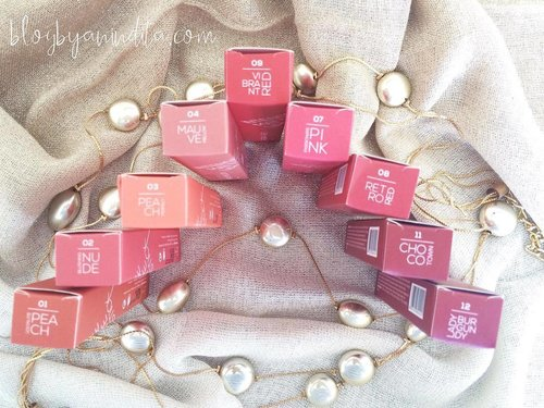 Yang mau jajan lippen, boleh baca review saya lengkap 12 warna dari Wardah Intense Matte Lipstick, go check out the lip swatches 😘 . . . Full link ke article blog, ada di Bio saya  #clozetteid #beautybloggerid #wardahintensematte #matteandmoist #hijabblogger #beautyreview #lipstickswatch #wardahlipswatch #wardahbeauty