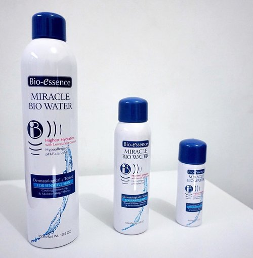 Miracle Bio Water si facial spray penyelamat 👌🏼❤️❤️. It's skin friendly even for sensitive skin. Kebawelan saya tentang Miracle bio water @bioessenceid ini berlanjut di blog saya www.budiartiannisa.com (link ada d BIO). . . . . #beautyenthusiast #beautybloggerindonesia #clozetteid #beautyreview #miraclebiowater #beautymusthaves #beautyguide #ichaskinguide