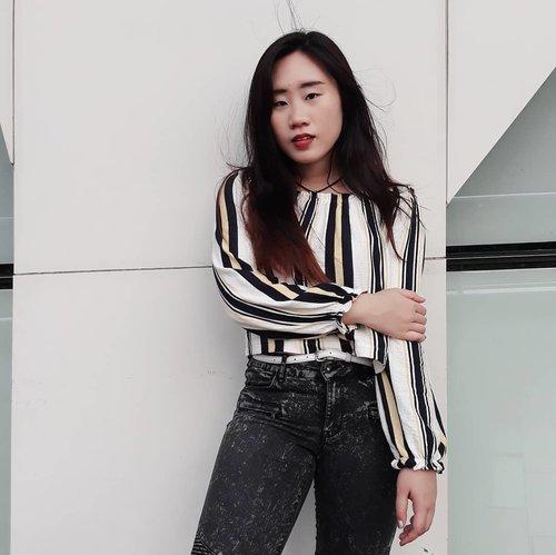 looking fierce but failed, ikr 🙄 #stripe #ootd #ootd💗 #ootdindonesia #blacknwhite #fierce #asiangirls #clozetteid