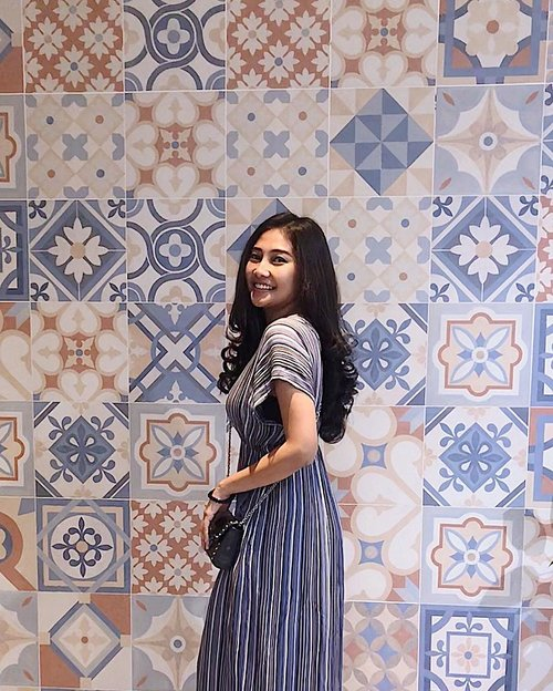 I'm having another lovely day today, dan cuaca hari ini juga lovely bgtttt disini. I hope you guys having the best monday today😘🌤🍃........#monday #selfie #girl #ootd #clozetteid #gorgeous #positivevibes #beautiful #pose #quotes #goodvibes #positivevibes #instagram #inspiration #instagramers #instafit #instadaily #hair #hairstyle #darkhair #blackhair #smile #instagood #instamoment #youtuber #lovely #goodweather