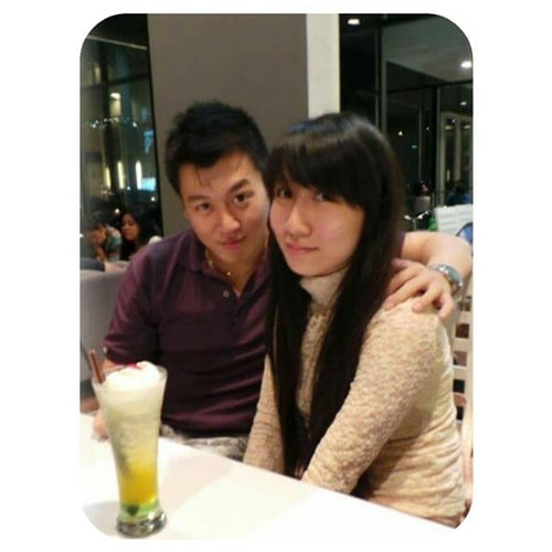 Ibu Bapaknya Ryu dan Gwen . orang tua yang diberkati dua anak yang sehat, manis, dan selalu happy ❤ . #son #daughter #baby #family #love #cutebaby #beautifulbaby #handsomebaby #babyboy #babygirl #mommy #clozetteID