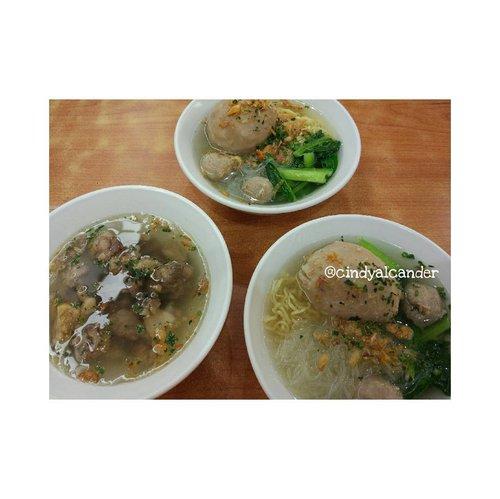 Super mozarella meat ball!!! My fave❤❤❤ and tetelan wagyu ... @baksoboedjangan . #alca_food #foodie #goodfoodgoodlife #foodblogger #streetfood #culinary #kuliner #clozetteID . Points : 4.5 / 5