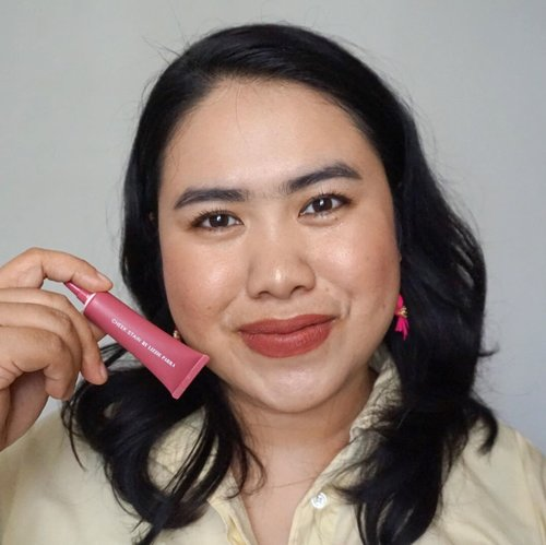 After months of hiatus in writing beauty review, here I posted the review of our beloved local brand @blpbeauty Cheek Stain in Pink Guava on my blog. Link on bio 💕✨...#blpbeauty #blpgirls #cheekstainBLP #FaceIt #clozetteid #blushcrush #makeuplooks