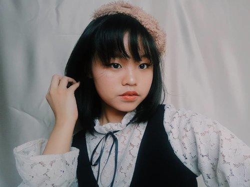 Dolled to Victorian doll.  #clozetteid #clozette #makeuptutorial #makeupartist #makeupparty #makeupkorea #kawaiigirl #victorianstyle #beauty #beautybloggers #surabayainfluencer #cute #beautyvloggerindonesia #beautytime