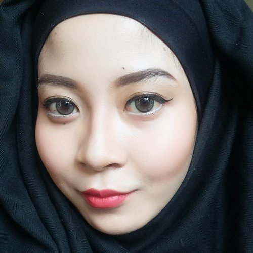 I dont know why I've always got problem with copyright whenever I uploaded youtube video. 😢😢😢 Anyone can help? Youtube said it was the song. 😢😢 👑 Garnier Light BB Cream. 👑 Maybelline White Super Fresh. 👑 NYC Sunny Bronzer. 👑 Maybelline Cheeky Glow. 👑 NYX Eyebrow Gel in Chocolate. 👑 Wardah Gel Liner. 👑 Maybelline Hyper Curl Mascara. 👑 NYX Soft Matte Lip Cream Monte Carlo.  #clozette #clozetteid #makeup #inssta_makeup #hudabeauty #universodamaquiagem_oficial #vegas_nay #americanhijabbeauty #mua #wakeupandmakeup #anastasiabeverlyhills #americanhijab #makeupartistsworldwide #makeupglitz #confettibeauty #makeupfanatic1 #fiercesociety #makeupartist #houseofmua #pinkperception #getglamwithgi #carolinebeautyinc #makeupslaves #slave2beauty #miaumauve #beautyblogger