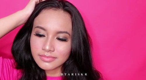 ✨One Brand Makeup for everyday glamour look✨@maxfatorindonesia Sesuai tema yaitu #NewMatteNewNudeNewYou with New Max Factor Velvet Mattes Lipstick and Masterpiece Nude Pallates...Products :🌫 @maxfactorindonesia Smooth Miracle Primer 🌫 @maxfactorindonesia 3 in 1 Foundation🌫  @maxfactorindonesia Masterpiece Nude Pallate - Golden Nude🌫  @maxfactorindonesia Masterpiece High Precision Liquid Eyeliner - 20 Azure🌫 @maxfactorindonesia Velvet Matte Lipstick (for blush on) - 35 Love🌫  @maxfactorindonesia False Lash Effect Mascara🌫  @maxfactorindonesia Velvet Mette Lipstick - 10 SunKiss...#valentinemakeup #naturalmakeup #ivgmakeup @bombtutorial @flawlessdolls @makeupxyx @thefacefixers @thatglamourfeed @urpu @facebaking @makeupere @makeupviibe @indobeautygram #flawlessdolls #valentinesdaymakeup #maxfactorindonesia