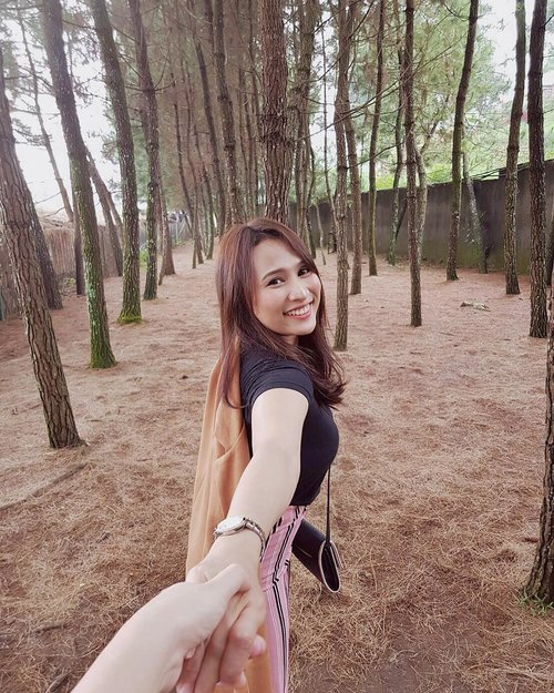 Thank you so much Bandung. I am having a pleasant short escape for these 4 days 3 night. Hope you guys are having a pleasant long weekend too.  #travel #traveling #clozetteid #instatravel #forest #explorebandung #wisatamalam #nature #note8 #samsungid