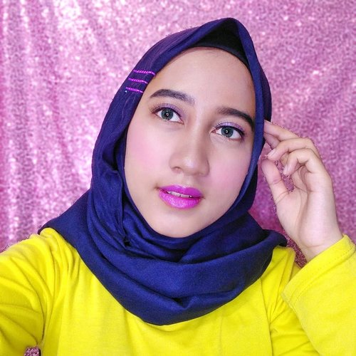 💜Purple Makeup Look💜Pake lipstick warna ungu? Why not?Disini aku pake produk makeup dari @inezcosmetic💕 Inez Color Contour Plus - Light, Medium, Dark💕 Inez Lustrous Pressed Powder - Natural💕 Inez Color Contour Plus Eyeshadow Collection - Pattaya💕 Color Contour Plus Blusher with Brush - Amaranth Pink💕 Inez Loose Eyeshadow Powder - Purple Heart💕Inez Glam & Glow Lip Palette💕 Inez Color Contour Plus Lipstick - Pale OrchidBesok aku bakalan up review semua produk dari @inezcosmetics ini Sooo, stay tune terus yaaps😊💕 ••@bandungbeautyvlogger #bandungbeautyvlogger #1stGatheringBBV #inezcosmetics #purplemakeuplook #clozetteid #purplemakeup #vloggerbandung #vlogger #beautyvloggerbandung #beautybloggerbandung