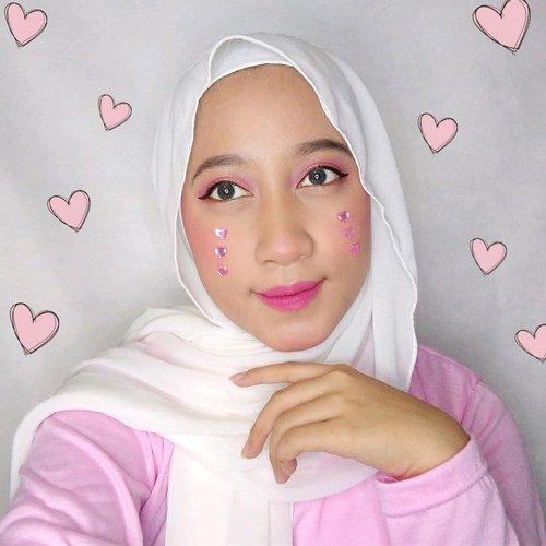 𝑳𝒐𝒗𝒆 𝒊𝒔 𝒂𝒃𝒐𝒖𝒕 𝒉𝒐𝒘 𝒚𝒐𝒖 𝒕𝒓𝒆𝒂𝒕 𝒚𝒐𝒖𝒓𝒔𝒆𝒍𝒇 𝒍𝒊𝒌𝒆 𝒔𝒐𝒎𝒆𝒐𝒏𝒆 𝒚𝒐𝒖 𝒍𝒐𝒗𝒆 𝒕𝒓𝒆𝒂𝒕𝒔 𝒚𝒐𝒖 𝒃𝒆𝒂𝒄𝒖𝒔𝒆 𝒔𝒆𝒍𝒇 𝒍𝒐𝒗𝒆 𝒊𝒔𝒏'𝒕 𝒔𝒆𝒍𝒇𝒊𝒔𝒉 𝒊𝒕'𝒔 𝒊𝒎𝒑𝒐𝒓𝒕𝒂𝒏𝒕❣️••••Sooo, here are our lovely Valentine Makeup Look & let's follow our happiness 💕@picme07 @sitrohhh @clarsabb @schintiyanatya2411 @ratnasha22 @lalabrillianto @sardongantobing @cindah.s @tirizosmond @laksmipaopao Our Love make you feel beautiful✨ Cheers! Xoxo~💃@beautyhousesquad #valentinemakeup #valentinemakeupwithBHS #BeautyHouseSquad #valentinemakeuplook #pinkmakeuplook #valentineday