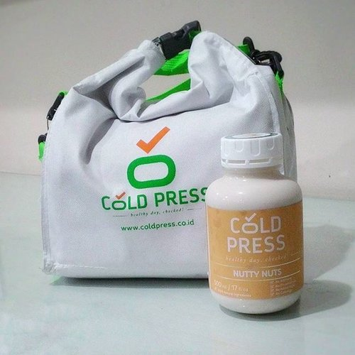 Going through my third bottle of @coldpressID today! This Nutty Nuts cold pressed juice is driving me nuts! It's so tasty that I want to have more. 😙😙😙😙😙😙😙. . . So far I haven't got bad effects from my detox programme. I've got a slight headache (which is normal) and the craving for food (you all know I can't stop munching food). . . I'm so looking forward to the result! Wish me luck! . . #talkativetya #coldpressjuice #coldpressindonesia #juice #healthyjuice #minumjus #detox #detoxprogram #detoxification #programdetoks #healthylife #menujulangsing2016 #IndonesianHijabBlogger #indonesianbeautyblogger #bbloggers #bblogid #clozetteID #BBSquadID #nuttynuts #coldpressID