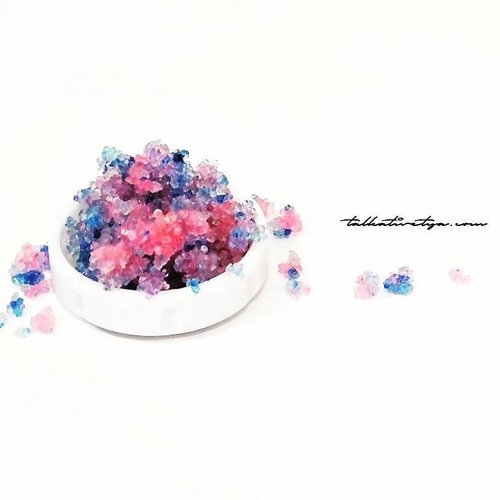 DIY Cotton Candy Lip Scrub is on my blog! 🍭🍭🍭🍭 This lip scrub is super duper easy to make and it tastes yummy too! Scrubbing your lips regularly will give you moist and smooth lips 💋💋💋 Check the complete tutorial on my blog http://goo.gl/F8QG5S#talkativetya #tutorial #beautytutorial #diy #doityourself #beautyhacks #beautytips #lips #scrub #lipscrub #sugarscrub #diysugarscrub #diylipscrub #cottoncandy #easytutorial #IndonesianHijabBlogger #indonesianbeautyblogger #bbloger #bblogID #clozetteID #hijabers #beautybloggerindonesia #lipstick #lipcare #lipbalm