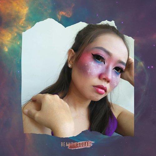 Ikutan collab lagi sama komunitas kesayangan @beautiesquadApril ini temanya Galaxy Makeup Collaboration. Awalnya puedee makeup ku sudah kece, begitu lihat punya yang lain, wow, waktunya undur diri nih guys wkwkwk.Seperti biasa, detail gimana bikinnya, ada di blogpost terbaru ku yah.#Beautiesquad #BSAprilCollab #BSCollab #BSGalaxyMakeUpCollab #GalaxyMakeUp#clozetteid