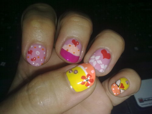 Work days were over n i rewarded myself with hand n toe nail spa @nail ink. After that i got this cute nail arts n ready for my vacation. Yay!!!