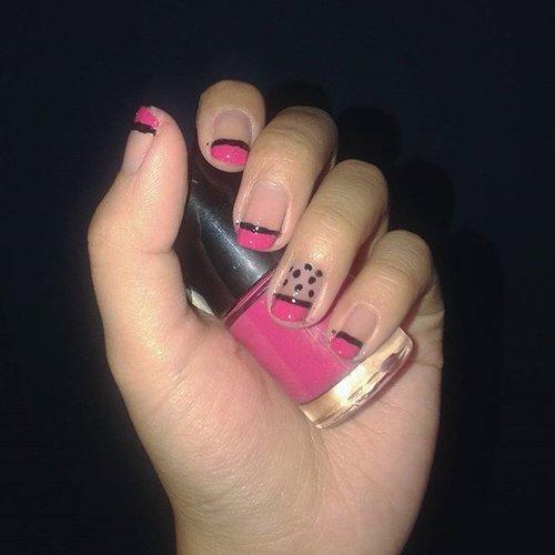 Black-Pink-Nail-Art 💅💅 #nailart #nails #hobby #dowhatilovetodo #ClozetteID #simplenails #CpzNails #tonymoly #lefthandnail