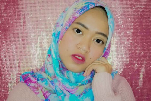 Meratapi keraguan mu~#beautybloggerindonesia #clozetteid #makeupisart #makeup #makeuptutorial  #makeupbynfb #art #peachymakeup #motd #bunnyneedsmakeup  #100daysofmakeup #wakeupandmakeup  #creativemakeup #colourfullmakeup #cchannelid
