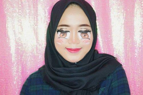 Holla😂😂Masih belajar, jadi moon maap kalo rada messy🤣Inspired by : @laviedunprince ..#beautybloggerindonesia #makeupisart #makeup #makeuptutorial #facepainting #makeupbynfb #art #emoticon #emoji  #100daysofmakeup #bunnyneedsmakeup #clozetteid #facepaint #cute