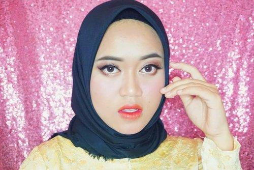 Aduhh pusing kepala dede 🤣.#beautybloggerindonesia #clozetteid #makeupisart #makeup #makeuptutorial  #makeupbynfb #art #peachymakeup #motd #bunnyneedsmakeup  #100daysofmakeup #wakeupandmakeup  #creativemakeup #colourfullmakeup
