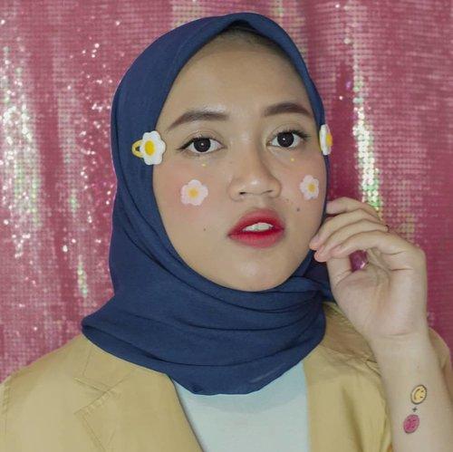 Tebak, itu telur atau bunga? 🤭🤭😂😂 ..#beautybloggerindonesia #clozetteid #indobeautygram #indobeautysquad #makeupisart #makeup #makeuptutorial #facepainting #egg #flower #makeupbynfb #art #motd #bunnyneedsmakeup  #100daysofmakeup #wakeupandmakeup  #creativemakeup #colourfullmakeup
