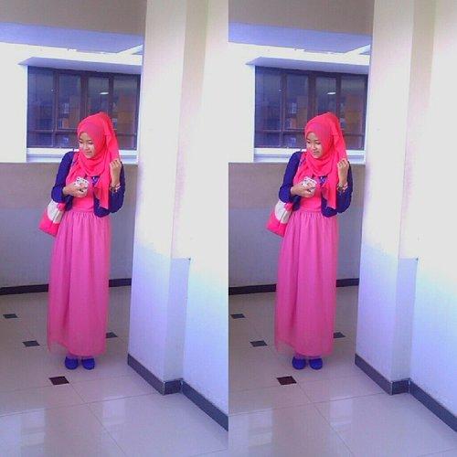 Pagihh warna kesukaan :* semoga smua urusan hari ini lancyarrr :) #ootd #ootdhijab #pink @clozetteid #clozetteid #hijabid