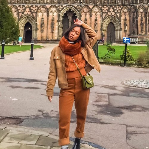 Appreciate more what we get in life. ❤️ We are not living in the fairytale world. No matter how much it hurts now, someday when you look back and realize your struggles changes your life for the better. ❤️ #sakuralisha #england #uk #lichfield #unitedkingdom #topshop #winter #winterholiday #travel #traveling #traveler #travelgram #travels #clozetteid #outfitinspiration #fashiongram